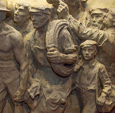 """Affiche de l'exposition """"Les sculpteurs du travail"""" (extrait)"""