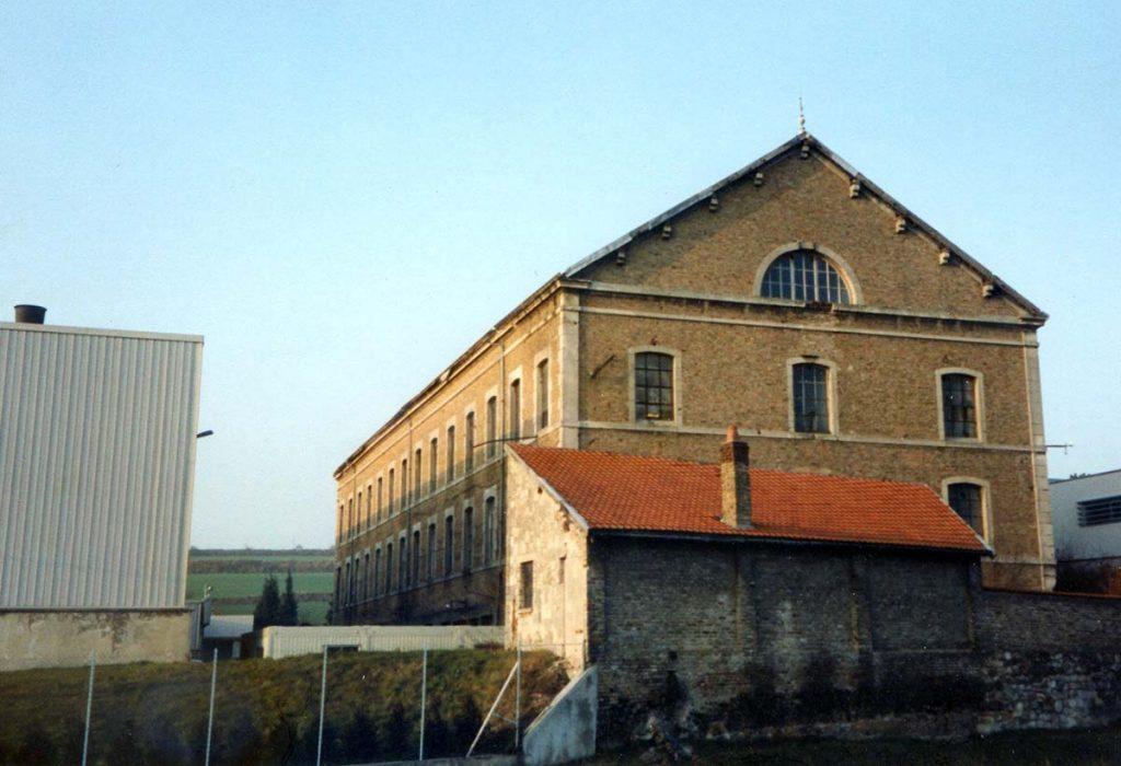 Le grand bâtiment en 1996 avait encore fière allure