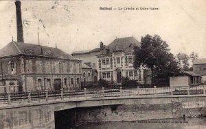 La crèche Noiret et l'usine à gauche, début du XXe siècle