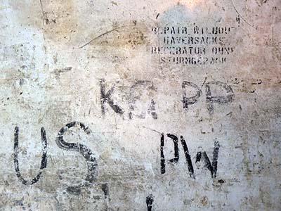 Graffitis prisonniers oublies Docks vignette